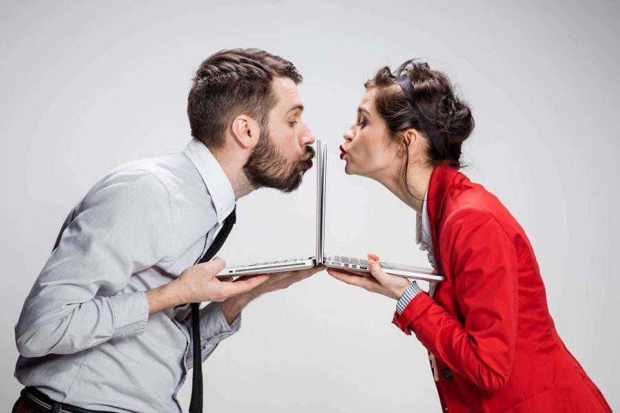 Küssendes Paar